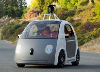 """Google annuncia la Self Driving Car, l'auto che """"guida sola"""""""