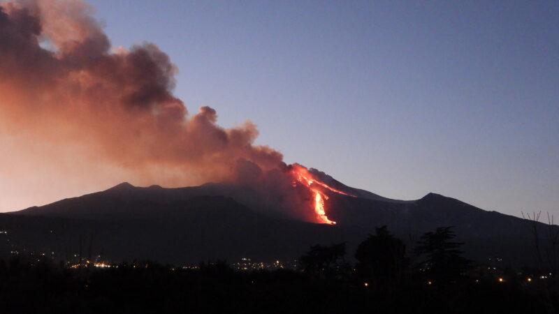Etna, 16 Febbraio 2021. Nuovo parossismo dal Cratere di Sud-Est